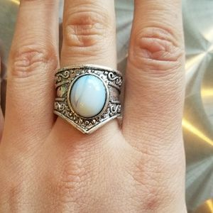 Jewelry - NWOT Silver White Stone Ring